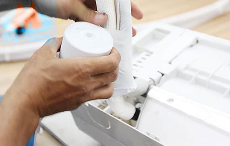 Lắp dây đồng quấn vải bọc để cách nhiệt